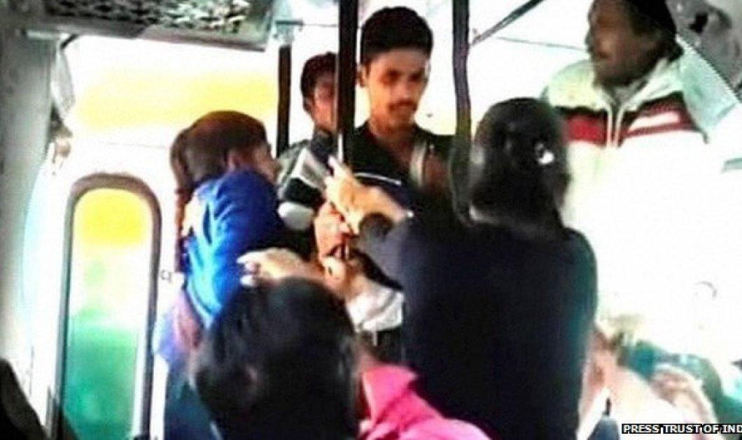 Βίντεο: Αγανακτισμένες μικρές Ινδές δέρνουν με τις ζώνες τους νεαρούς που τις παρενοχλούν σεξουαλικά!  - Κυρίως Φωτογραφία - Gallery - Video