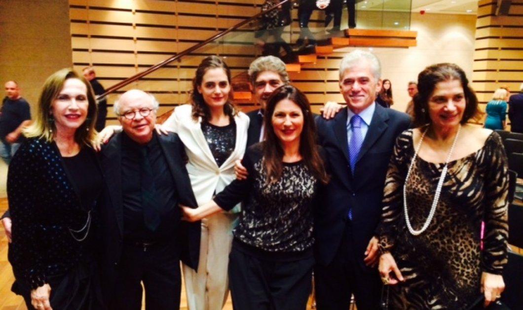 Ήταν όλοι εκεί - Οι πρώτες αποκλειστικές φωτό από Μαρινέλλα, Αλεξίου, Νταλάρα, Πάριο, Παπακωνσταντίνου που τραγούδησαν χθες στο Μέγαρο: Για το βιβλίο του Μάκη Μάτσα που τους ανακάλυψε! (Φωτό) - Κυρίως Φωτογραφία - Gallery - Video