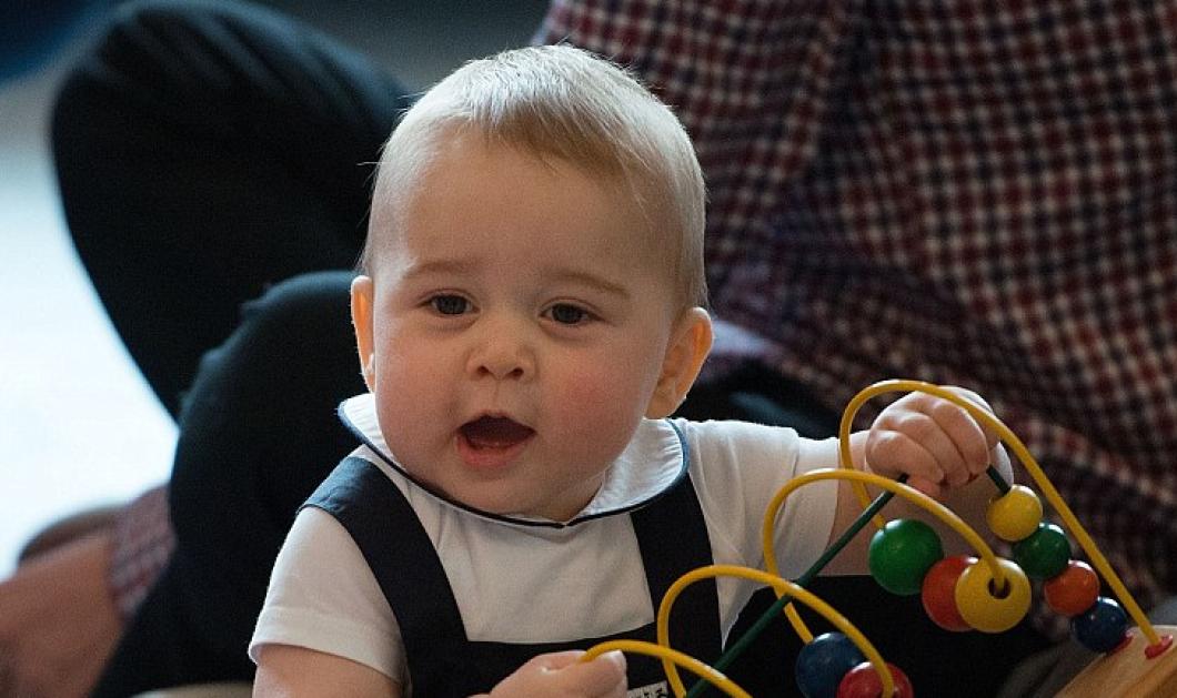 Νέες φωτογραφίες του πριγκιπούλη George που μεγάλωσε κι ομόρφυνε! Οι περήφανοι γονείς Kate & William τις έδωσαν στη δημοσιότητα! (φωτό) - Κυρίως Φωτογραφία - Gallery - Video