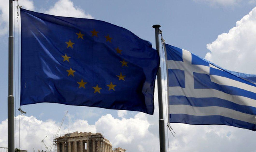 Guardian: Οι αγορές προεξοφλούν την επιστροφή της Ελλάδας στη δραχμή! - Κυρίως Φωτογραφία - Gallery - Video