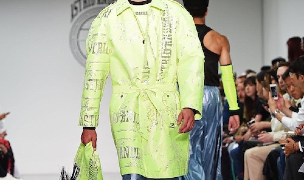 Εβδομάδα μόδας για άνδρες στο Λονδίνο:  Εξωφρενικά, εκκεντρικά ακαταμάχητα αγόρια    - Κυρίως Φωτογραφία - Gallery - Video