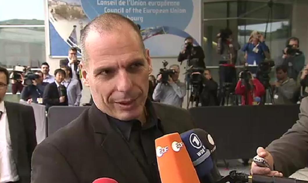 Με ανέκδοτο απάντησε ο Βαρουφάκης σε ερώτηση μετά το Eurogroup - Κυρίως Φωτογραφία - Gallery - Video