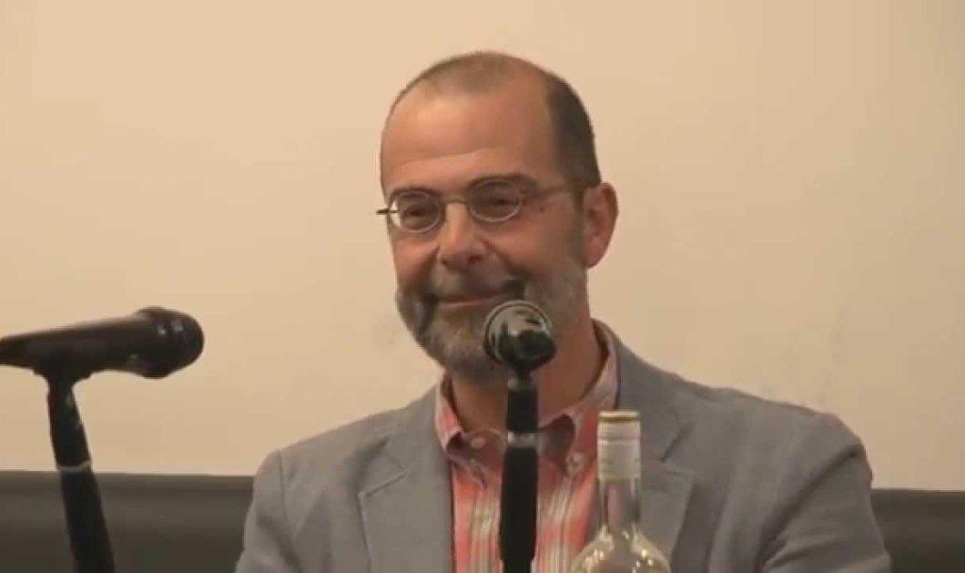 """Ο Στέφανος Κασιμάτης is back: """"Ναφθαλίνη μεν η Ντόρα αλλά η γριά η κότα έχει το ζουμί""""  - Κυρίως Φωτογραφία - Gallery - Video"""