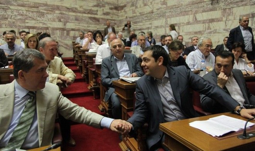 Βούρκωσε ο Τσίπρας στην ομιλία του: Συντροφικές κορώνες - Τα μέτρα όμως θα εγκριθούν - Κυρίως Φωτογραφία - Gallery - Video