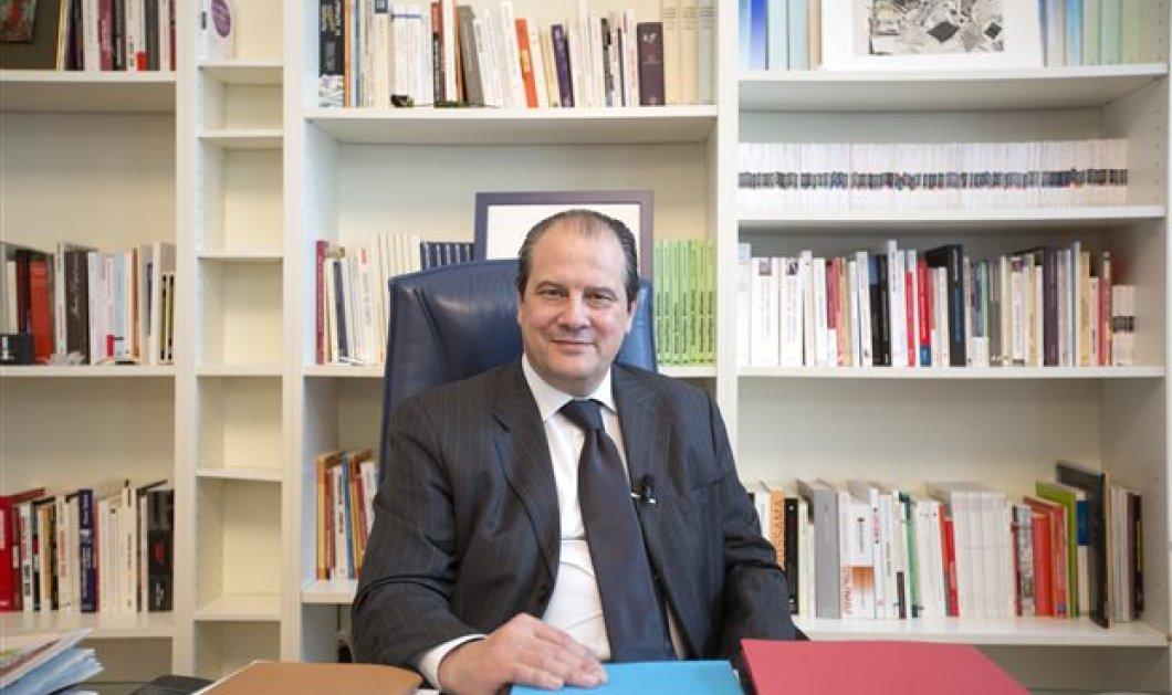 O Γάλλος (ελληνικής καταγωγής) Καμπαντελίς: Η Γερμανία να θυμηθεί την ιστορία αντί να παραδίδει μαθήματα στην Ελλάδα  - Κυρίως Φωτογραφία - Gallery - Video