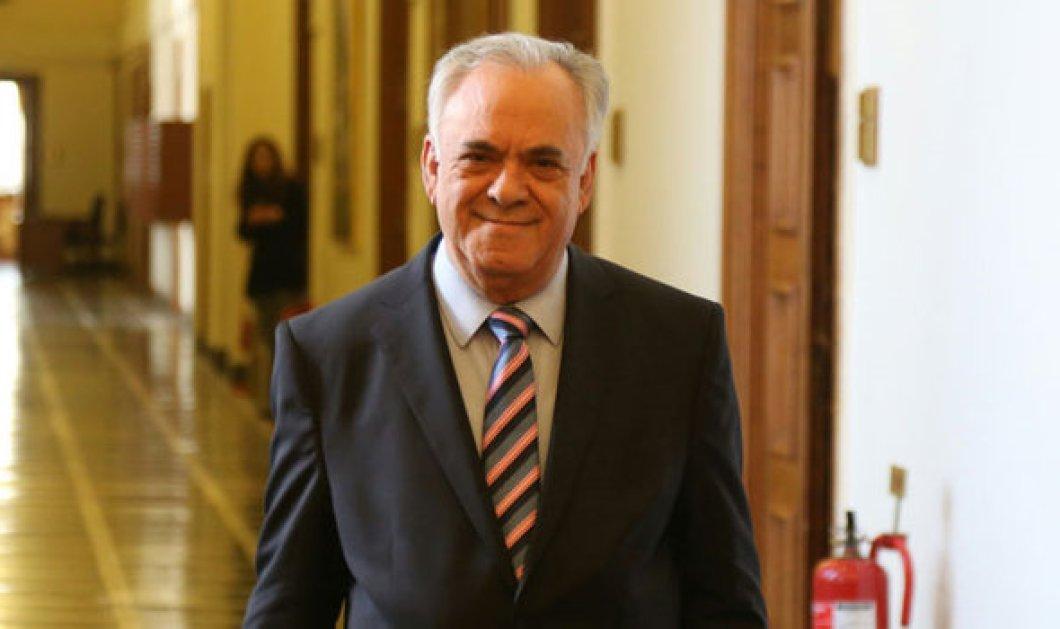 Δραγασάκης: Η χώρα διαθέτει πρωθυπουργό και τον λένε Αλέξη Τσίπρα  - Κυρίως Φωτογραφία - Gallery - Video
