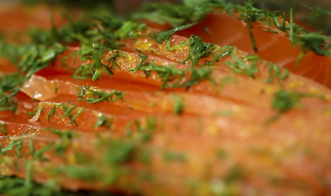 Υπέροχος Σολομός Gravlax από τον Άκη Πετρετζίκη  - Κυρίως Φωτογραφία - Gallery - Video