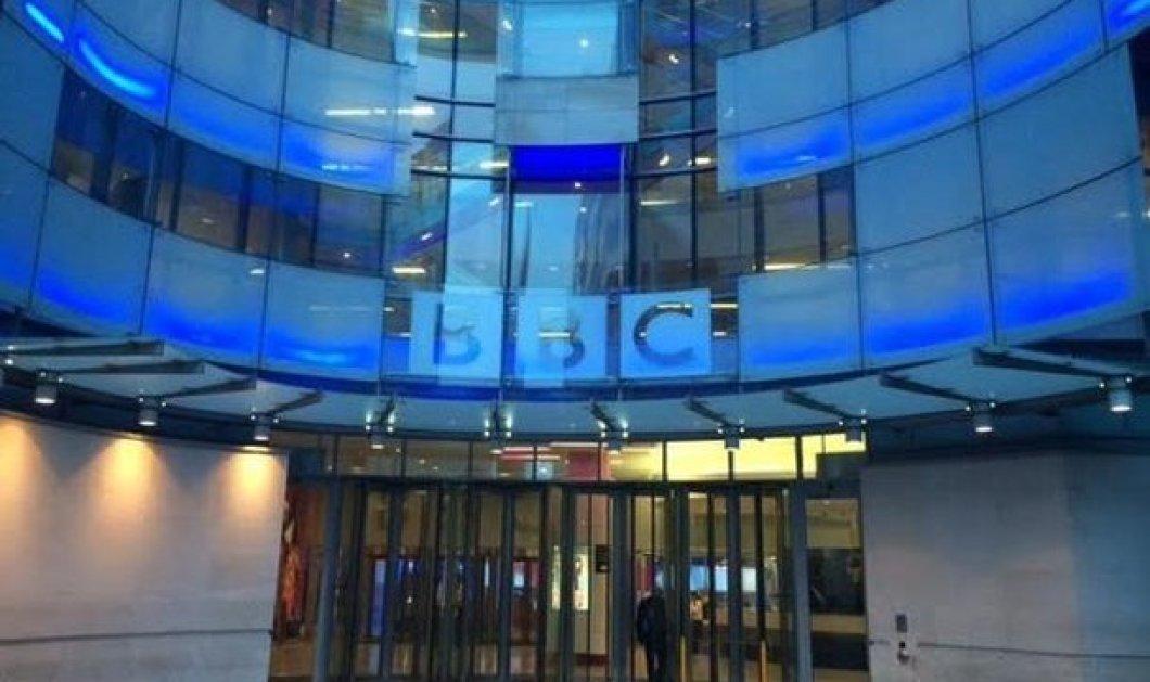 Βρετανία: 29 προσωπικότητες ζητούν από τον Κάμερον να προστατεύσει το BBC  - Κυρίως Φωτογραφία - Gallery - Video