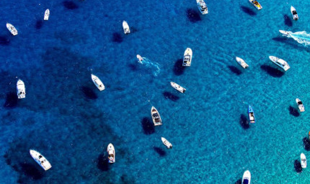 Το γαλάζιο του διάσημου St Tropez στη Ν. Γαλλία - Εκεί που η Μπαρντό  άφησε την υπογραφή της    - Κυρίως Φωτογραφία - Gallery - Video
