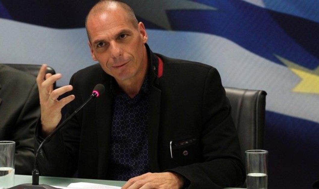 Βαρουφάκης: «Δυο δημοσιογράφοι εισέβαλαν στην αυλή μου» - Κυρίως Φωτογραφία - Gallery - Video