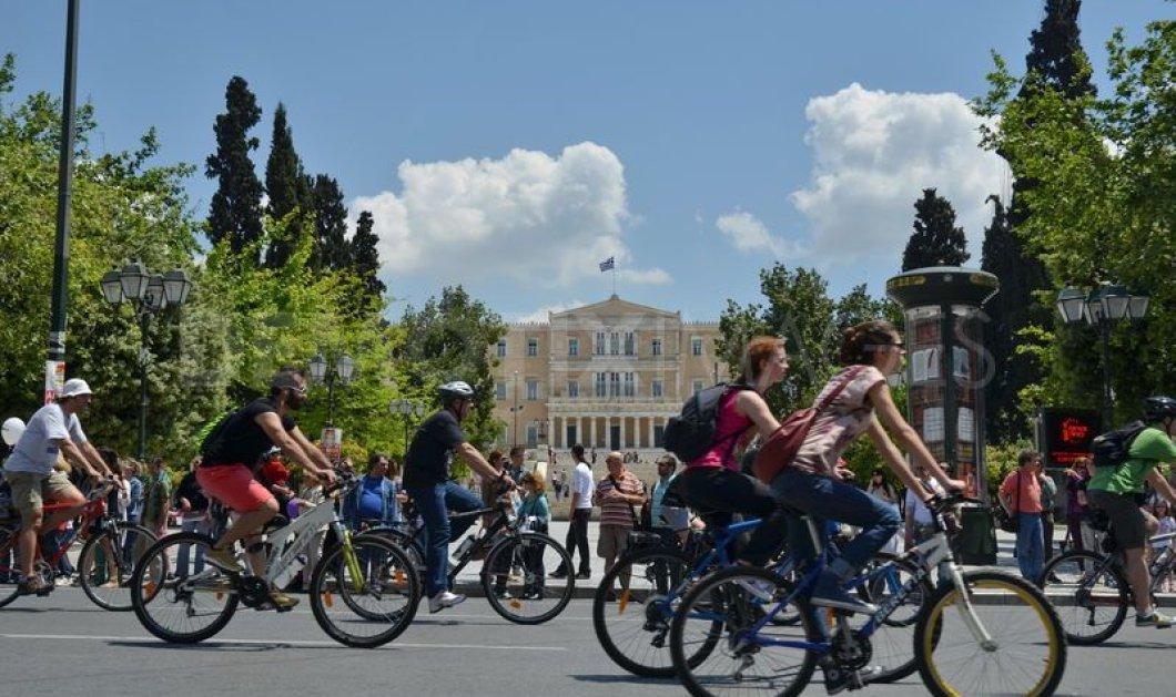 Ποδηλατώντας κάτω απ' τον καυτό ήλιο στην Αθήνα: Ιδού ο οδηγός επιβίωσης - Κυρίως Φωτογραφία - Gallery - Video