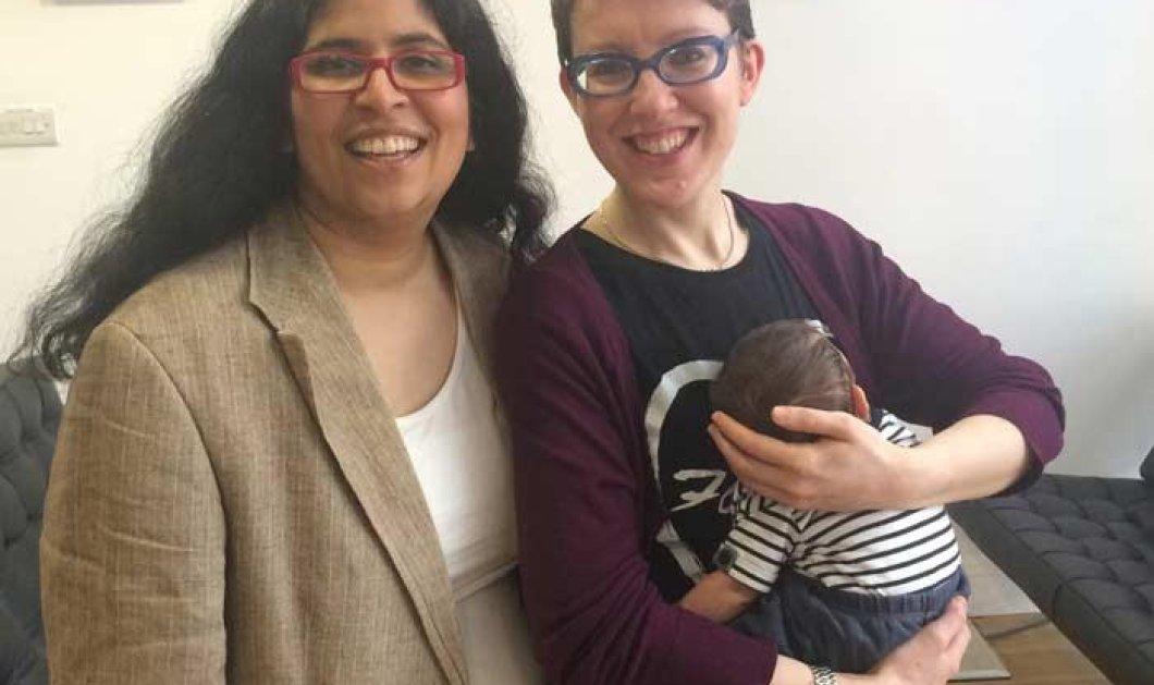 Σάλος από την παρουσιάστρια ειδήσεων που θηλάζει το μωρό της στον αέρα - Παντρεμένη με άλλη γυναίκα  - Κυρίως Φωτογραφία - Gallery - Video