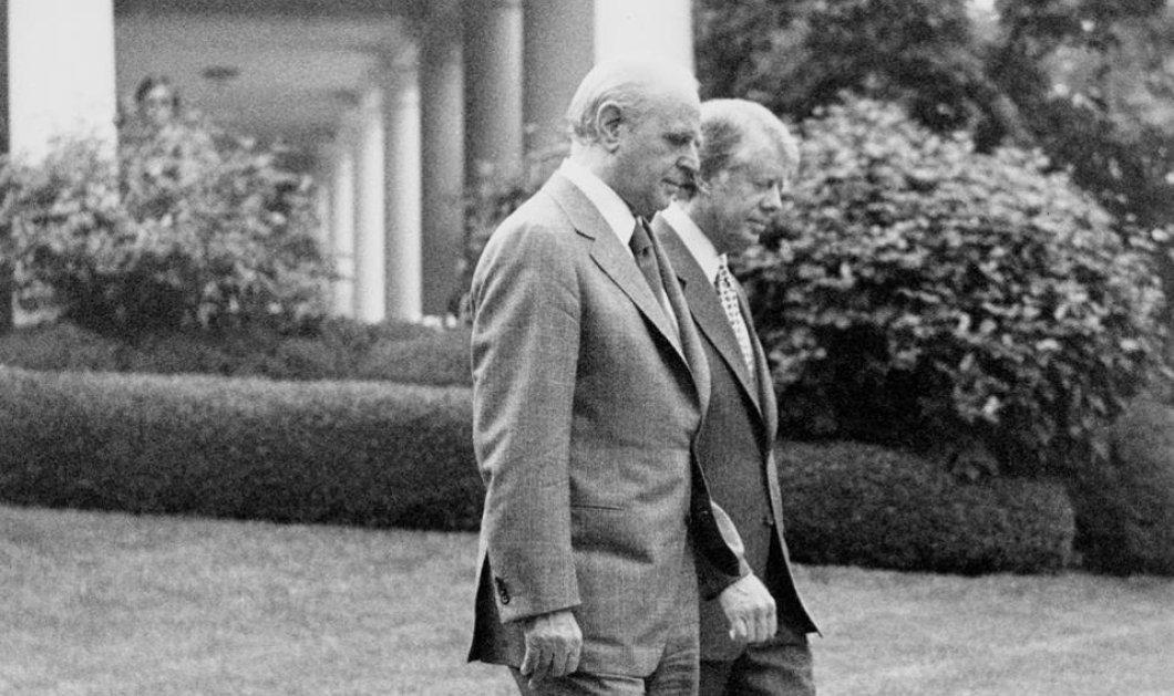 Vintage pic: Όταν ο Κων/νος Καραμανλής δεν άφηνε ήσυχο στιγμή τον Τζίμι Κάρτερ για το Κυπριακό  - Κυρίως Φωτογραφία - Gallery - Video