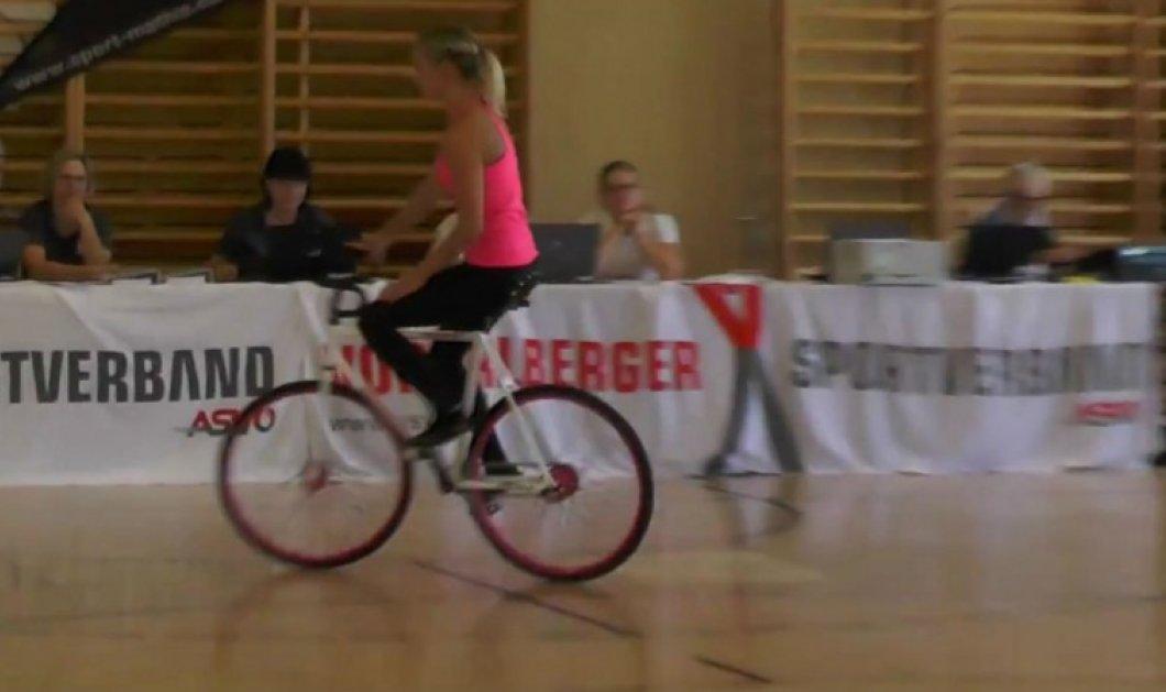 Βίντεο: Μπήκε στην οντισιόν με το ποδήλατό της και άφησε τους κριτές άφωνους!  - Κυρίως Φωτογραφία - Gallery - Video