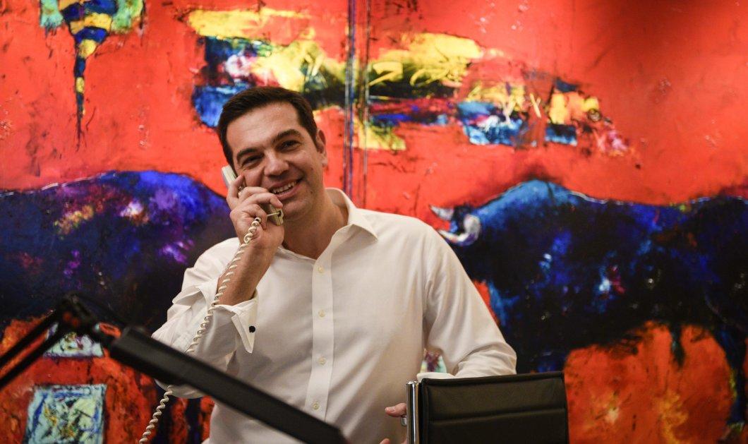 Πώς γιόρτασε ο Αλ. Τσίπρας τη νίκη του: Ουίσκι, φιστίκια και πολλά χαμόγελα για τον νέο Πρωθυπουργό - Κυρίως Φωτογραφία - Gallery - Video