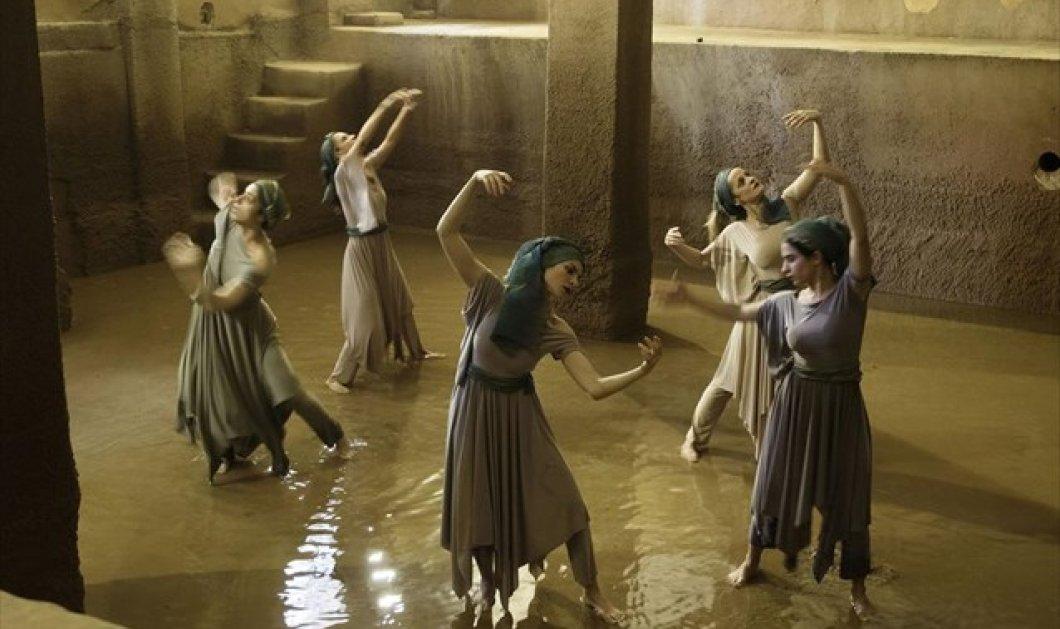 Φεστιβάλ Πρεσπών: Τραγικές ηρωίδες με δεσμούς «αρχαίου άιματος» - Μια ιδιαίτερη παράσταση  - Κυρίως Φωτογραφία - Gallery - Video