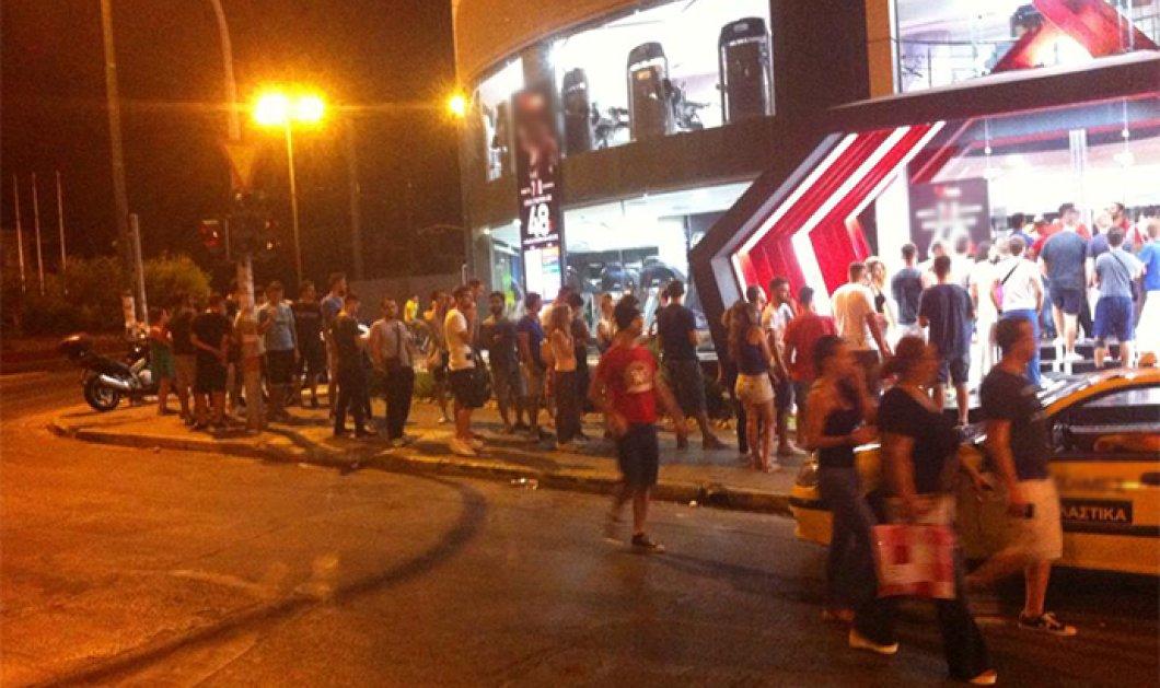 Ουρές εκατοντάδων ανθρώπων έξω από τα υποκαταστήματα γνωστής αλυσίδας γυμναστηρίων στην Αττική - Κυρίως Φωτογραφία - Gallery - Video