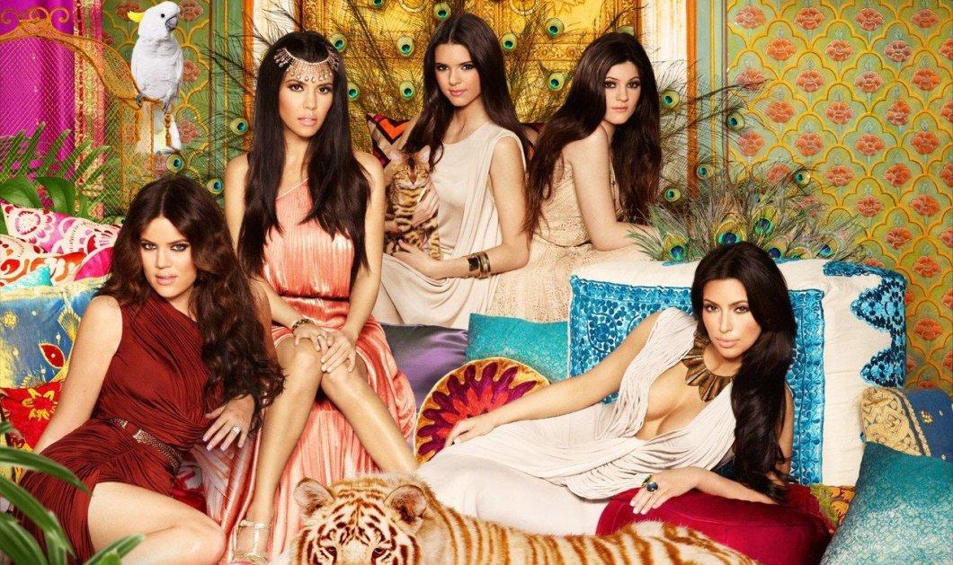 Juicy κορίτσια ήρθε η δικαίωση μας: Μετά το «κενό ανάμεσα στα μπούτια» - Η νέα μόδα θέλει «δίπλες» ψηλά στο μηρό αλά Kardashians - Κυρίως Φωτογραφία - Gallery - Video