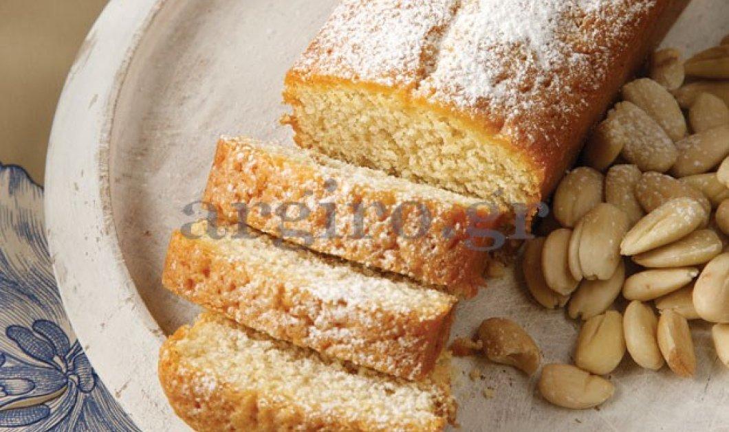 Υπέροχο κέικ αμυγδάλου µε γιαούρτι από την  Αργυρώ Μπαρμπαρίγου - Απολαύστε το!  - Κυρίως Φωτογραφία - Gallery - Video