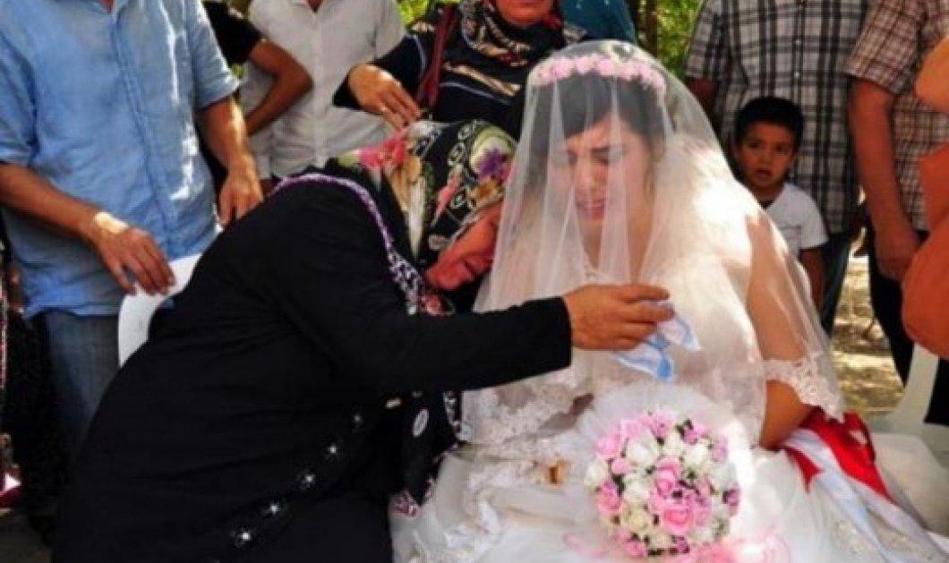 Τρομερά συγκινητικό: Η νύφη παντρεύτηκε χωρίς τον γαμπρό - Στη θέση του η σημαία - Κυρίως Φωτογραφία - Gallery - Video