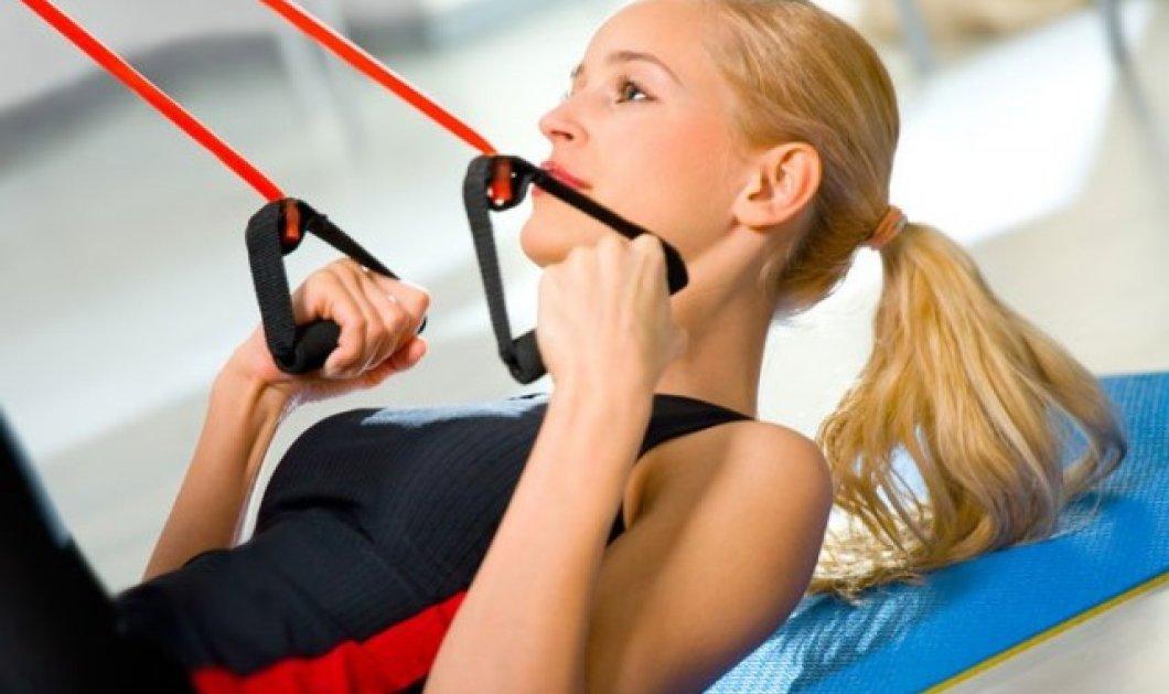 Άσκηση με λάστιχα: 8 καλοί λόγοι για να τη δοκιμάσετε - Δείτε τους!  - Κυρίως Φωτογραφία - Gallery - Video