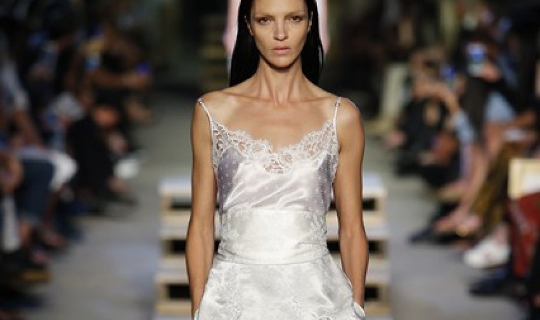 21387311abbe Εβδομάδα Μόδας Νέα Υόρκη  Φανταστικές κολεξιόν Givenchy   BCBG Max Azria  για το καλοκαίρι του