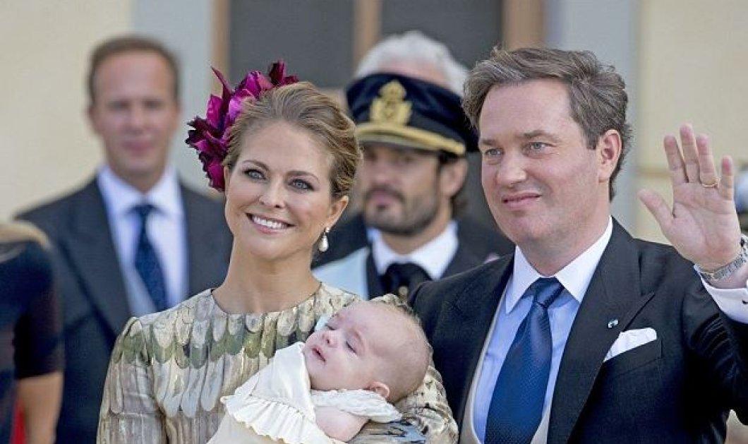 """Βασιλικά βαφτίσια: Ο """"κοιμησμένος"""" Πρίγκιπας Νικόλαος της Σουηδίας με νονό τον ωραίο θείο του - Κυρίως Φωτογραφία - Gallery - Video"""