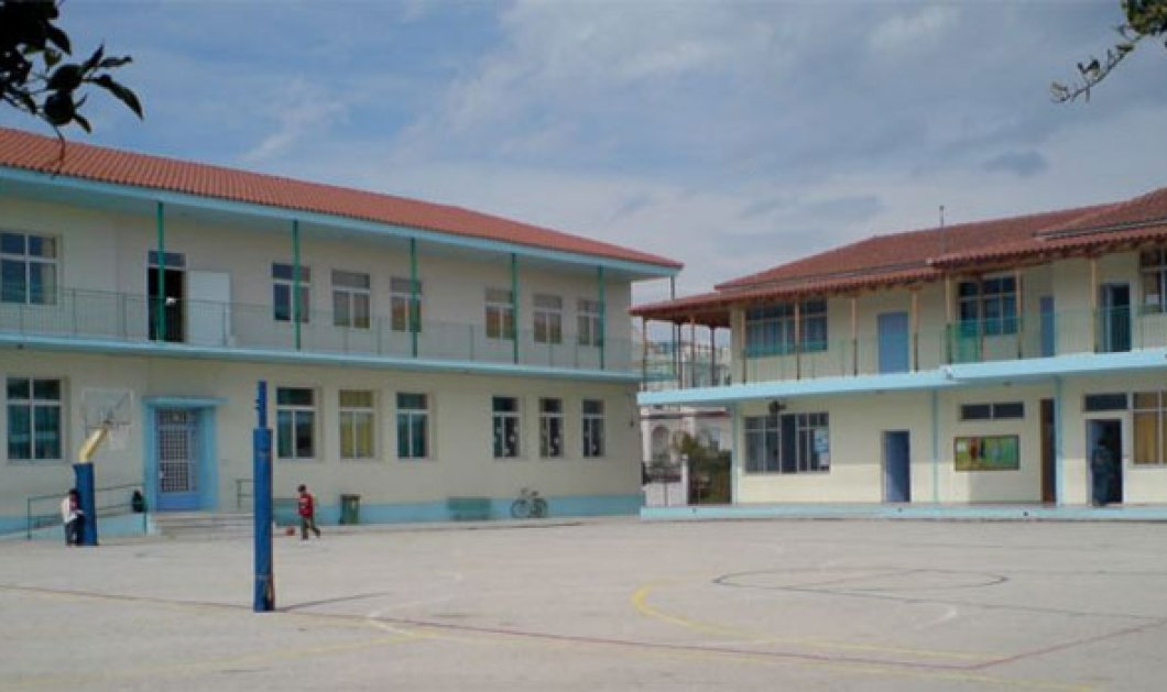 Μαθητής στην Κρήτη ξυλοκόπησε με μαγκούρα το Διευθυντή του σχολείου του - Επειδή απέβαλε τον αδελφό του; - Κυρίως Φωτογραφία - Gallery - Video