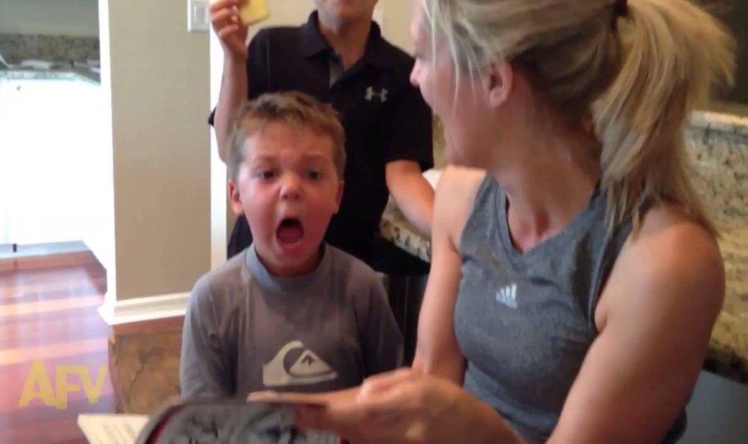 Βίντεο: Η πιο χαριτωμένη και εκκωφαντική αντίδραση παιδιού σε τρομακτική ιστορία – Θα πεθάνετε στο γέλιο - Κυρίως Φωτογραφία - Gallery - Video