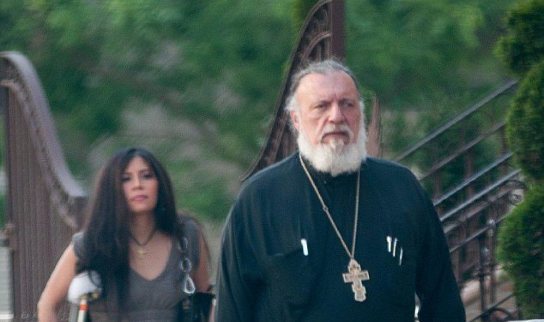 Σάλος με τον Έλληνα ιερέα που είχε σχέση με Περουβιανή παντρεμένη καλλονή - Άδεια η εκκλησία του στο Μανχάταν - Κυρίως Φωτογραφία - Gallery - Video