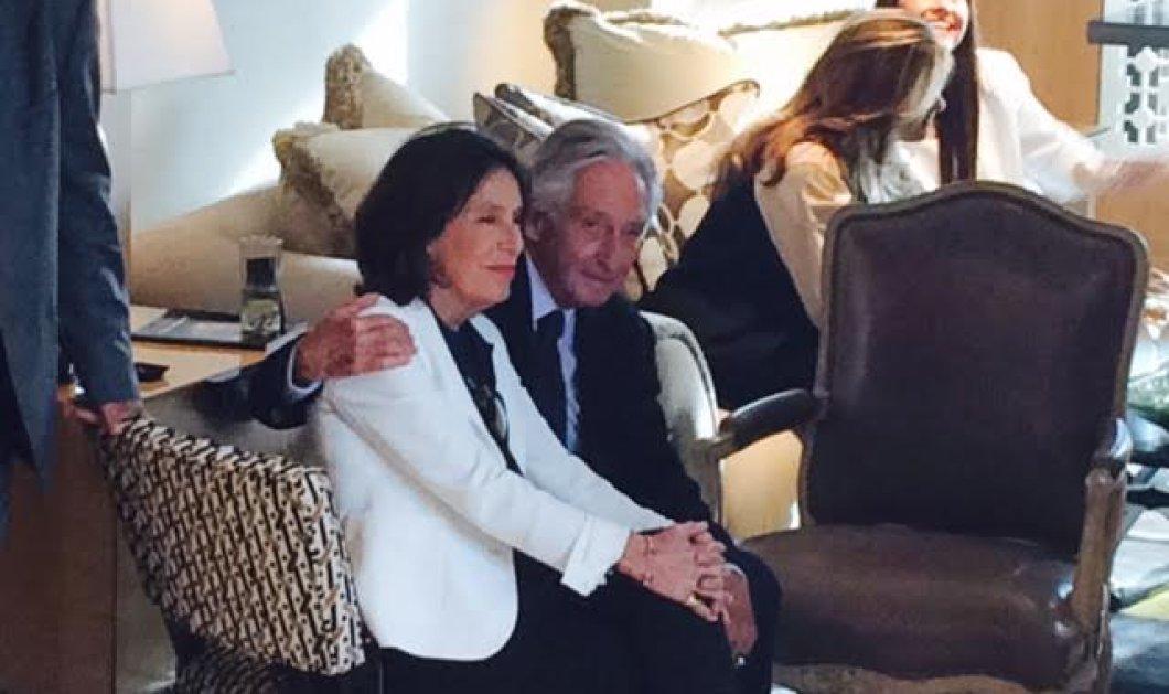 Αποκλειστικές φωτό: Ο πρίγκιπας Μιχαήλ και η διάσημη σύζυγος του Μαρίνα Καρέλλα σε τρυφερές στιγμές - αγκαλιά στην Αθήνα - Κυρίως Φωτογραφία - Gallery - Video