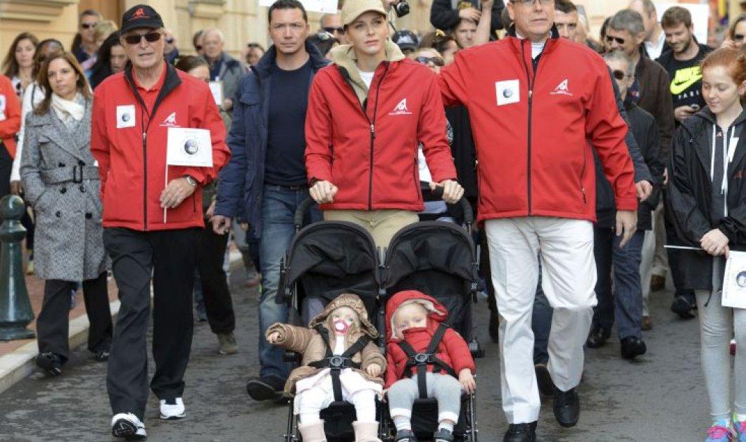 Δείτε φώτο: Η Πριγκηπική οικογένεια του Μονακό & τα μωρά τους στο καρότσι μετέχουν στην διαδήλωση για το κλίμα  - Κυρίως Φωτογραφία - Gallery - Video