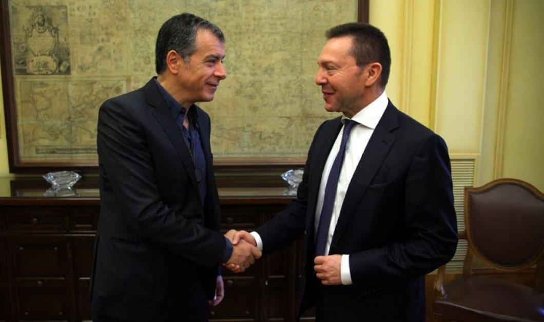 O Γιάννης Στουρνάρας & ο Σταύρος Θεοδωράκης σε business lunch με χριστόψαρο & κόκκινο κρασί: Η συζήτηση πιο... αρμονική  - Κυρίως Φωτογραφία - Gallery - Video