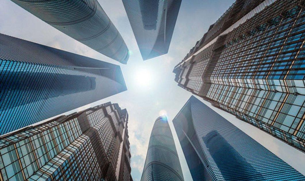 Εντυπωσιακοί ουρανοξύστες φωτογραφημένοι από κάτω προς τα πάνω - Ένα διαφορετικό project που εντυπωσιάζει - Κυρίως Φωτογραφία - Gallery - Video
