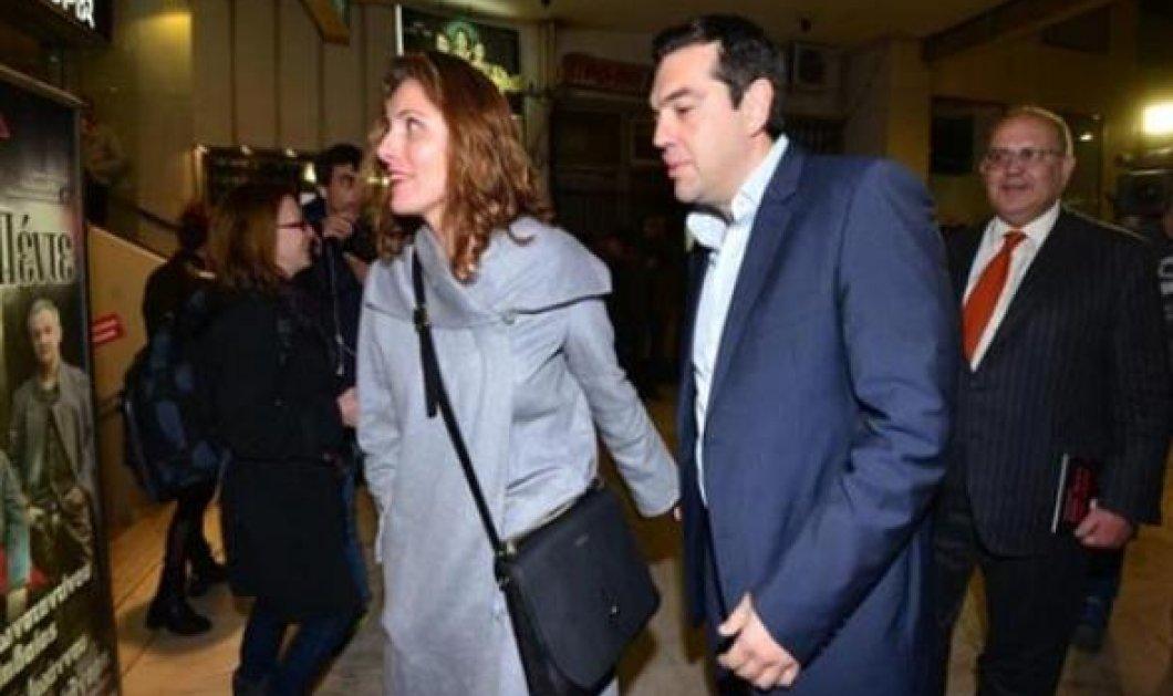 Αλέξης Τσίπρας & Μπέτυ Μπαζιάνα: Πήγαν στο θέατρο να παρακολουθήσουν τον Λάκη Λαζόπουλο - Κυρίως Φωτογραφία - Gallery - Video