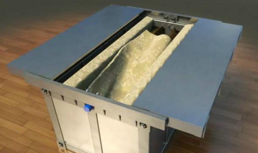 """Αυτό είναι το αντισεισμικό κρεβάτι βίντεο: Ανοίγει σε """"καταπίνει""""& σε προστατεύει από τα γκρεμίσματα  - Κυρίως Φωτογραφία - Gallery - Video"""