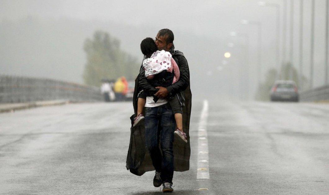 Οι εικόνες του φωτογράφου της χρονιάς Γιάννη Μπεχράκη που συγκλόνισαν τον πλανήτη – Βροχή τα βραβεία - Κυρίως Φωτογραφία - Gallery - Video