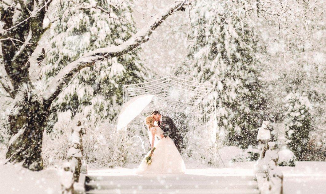 Το όνειρο πραγματικότητα έκανε αυτό το ζευγάρι: Έπεσε χιόνι την ώρα του γάμου - Σκηνικό παραμυθένιο  - Κυρίως Φωτογραφία - Gallery - Video
