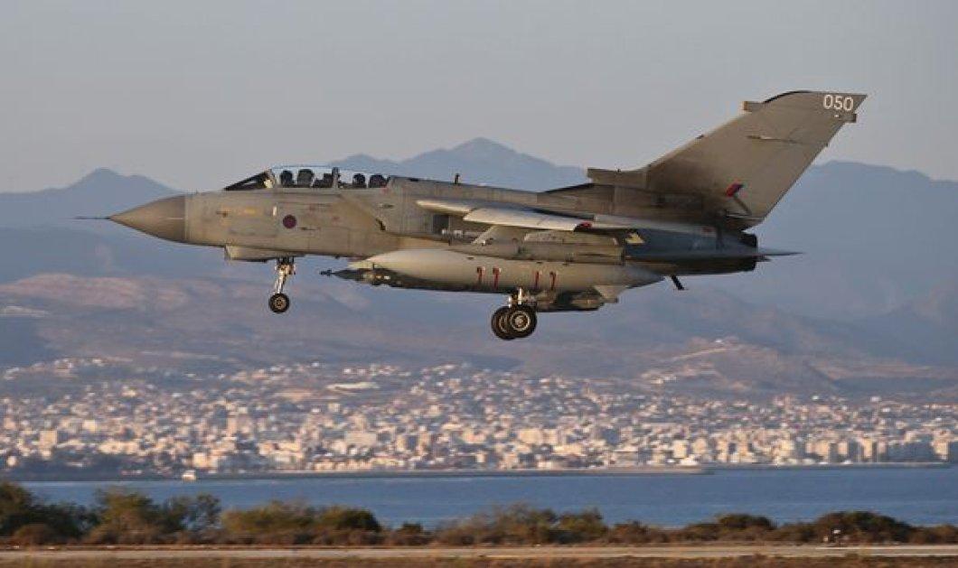 Δραματικό βίντεο : H στιγμή που Βρετανικά Βομβαρδιστικά ανατινάσσουν τα κοιτάσματα πετρελαίου του ISIS  - Κυρίως Φωτογραφία - Gallery - Video