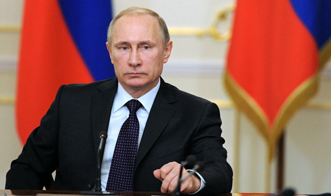 Γιατί ο Πούτιν περπατά με ακίνητο το δεξί του χέρι; Βίντεο - Κορυφαίοι επιστήμονες δίνουν εξηγήσεις - Κυρίως Φωτογραφία - Gallery - Video