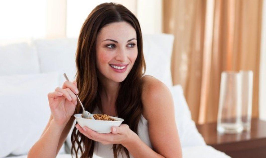 Ποιες καθημερινές συνήθειες σε εμποδίζουννα αποκτήσεις το ιδανικό σου βάρος; Μείνε αδύνατη! - Κυρίως Φωτογραφία - Gallery - Video