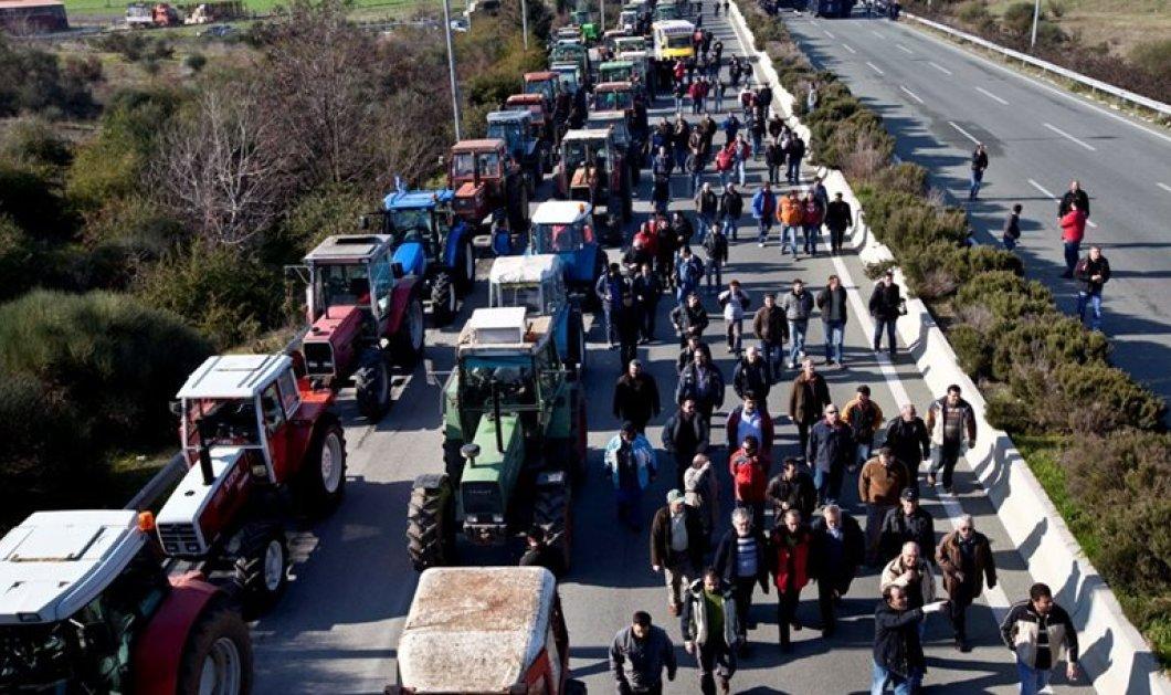Εκτός ελέγχου η κατάσταση με τους αγρότες: Δεν πάμε στον Τσίπρα -Ψεύτες και κλέφτες δεν μας έχει πει κανείς  - Κυρίως Φωτογραφία - Gallery - Video