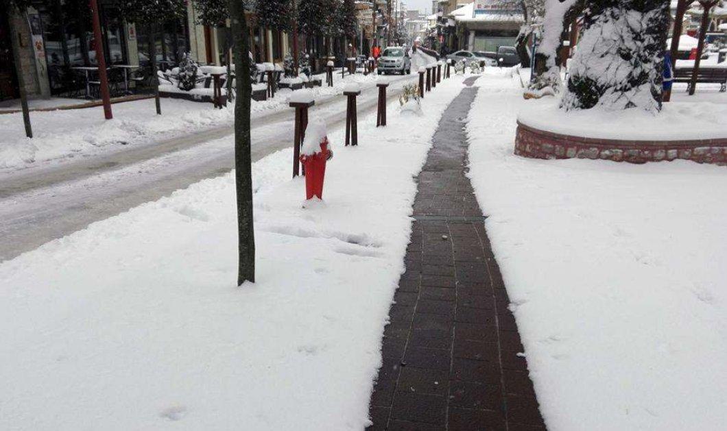 Θερμαινόμενα πεζοδρόμια στο Καρπενήσι! Όλα παγωμένα αλλά ένα καθαρό χάρις στην γεωθερμία - Κυρίως Φωτογραφία - Gallery - Video
