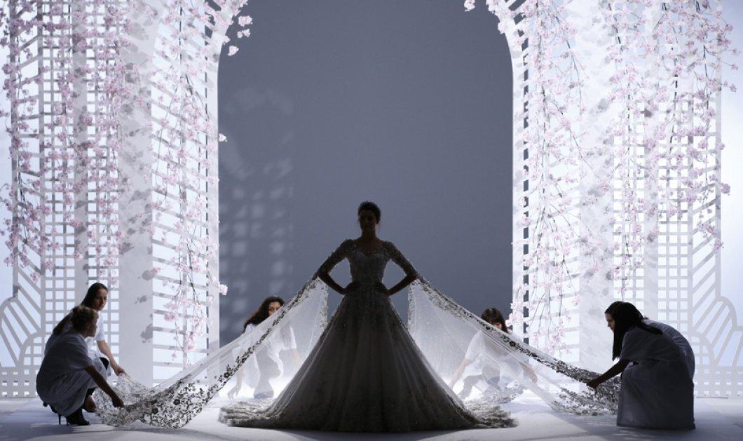 Η φαντασμαγορική τουαλέτα των Ralph & Russo στην εβδομάδα μόδας Haute Couture στο Παρίσι - Κυρίως Φωτογραφία - Gallery - Video