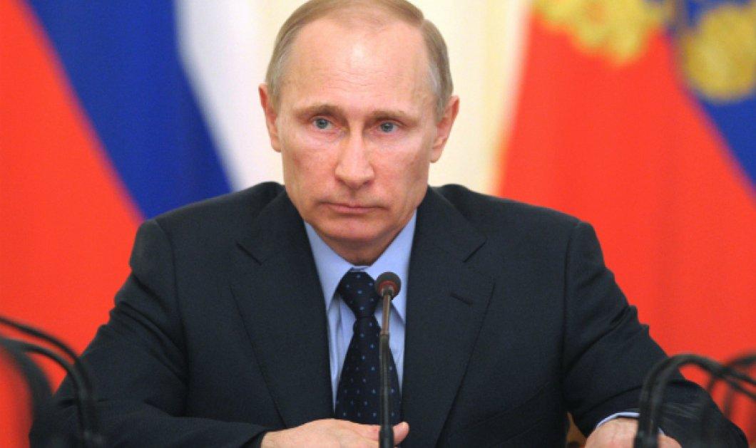 Leader number One: Ο Πούτιν τώρα σε ανδρικό άρωμα - Φωτό - Ζεστό με νότες ξύλου... - Κυρίως Φωτογραφία - Gallery - Video