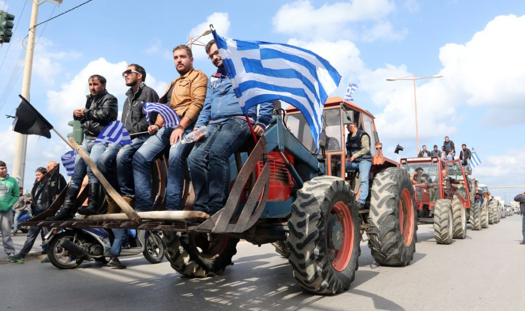 Αμετακίνητοι στα μπλόκα οι αγρότες - Αποκλείουν τράπεζες, εφορίες και το «Μακεδονία» - Κυρίως Φωτογραφία - Gallery - Video