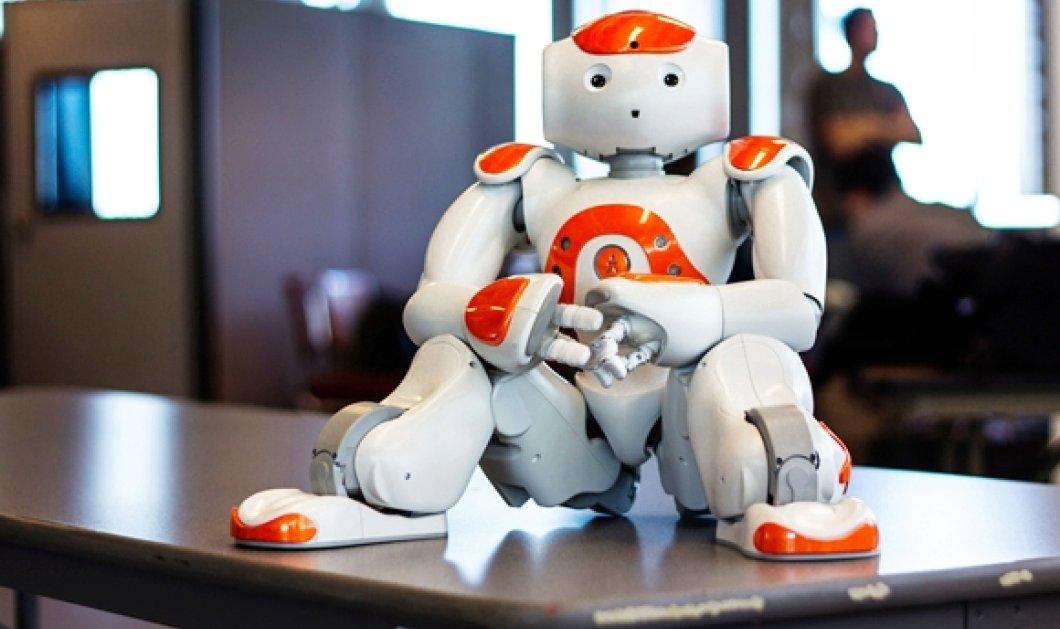 """Τα ρομπότ διαβάζουν παραμύθια για να μάθουν το """"καλό και το κακό"""" - Κυρίως Φωτογραφία - Gallery - Video"""