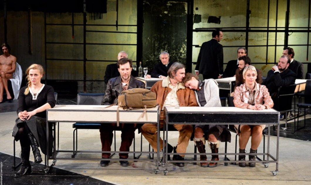 """Νέα υπέροχη παράσταση στο Εθνικό με 5€: """"Δαμάζοντας τα κύματα"""" του Λαρς Φον Τρίερ με Άκη Σακελλαρίου & Γιώργο Βογιατζή  - Κυρίως Φωτογραφία - Gallery - Video"""