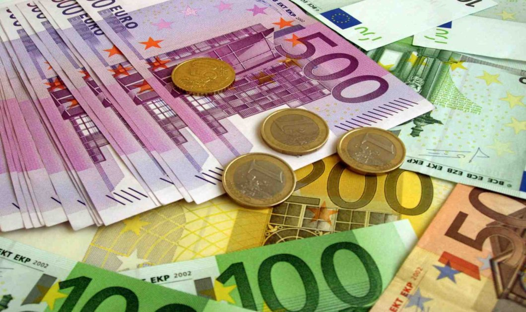 «Φτερά» έκανε θησαυρός 100.000 ευρώ που έκρυβε μια ηλικιωμένη σε μια γλάστρα  - Κυρίως Φωτογραφία - Gallery - Video
