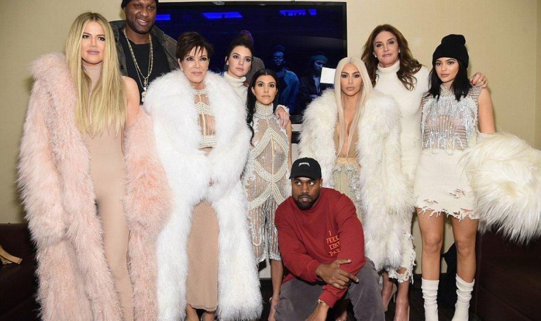 Στο ακριβότερο show του κόσμου ο Kanye West με σύσσωμη την Άγια Οικογένεια Καρντάσιαν, νέα ρούχα & η Νέα Υόρκη στο πόδι!    - Κυρίως Φωτογραφία - Gallery - Video